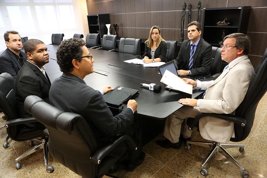Presidente João Luiz  com organizadores do Congresso de Assessores de Comunicação do Sistema de Justiça