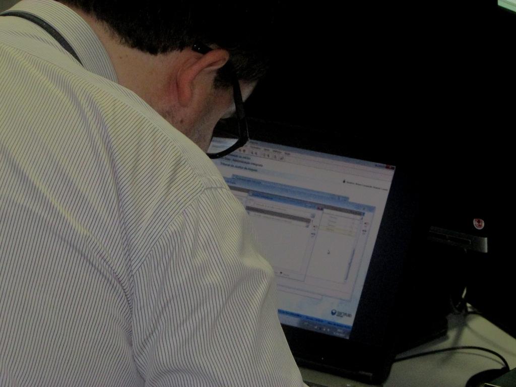 Treinamento teve início na última segunda (27), no laboratório de informática da Esmal