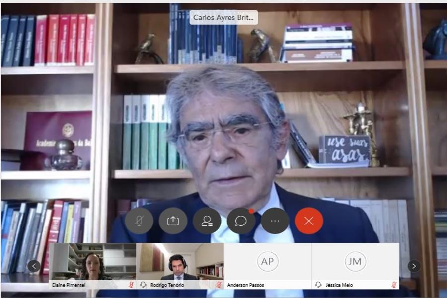 Ministro Ayres Britto destaca importância da CF/88 para a democracia em webinário