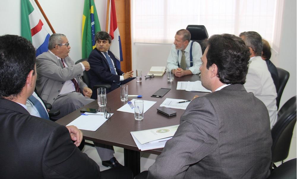 Corregedor, Juízes e Defensores públicos reuniram-se nesta sexta-feira (13)