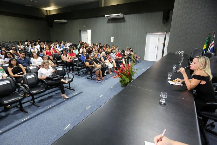 Esmal celebra Mês da Mulher com bate-papo sobre empoderamento e igualdade