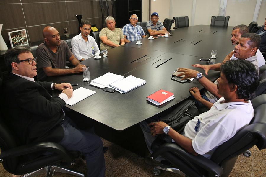Reunião, realizada na Presidência do TJAL, foi solicitada pelos representantes. Foto: Caio Loureiro
