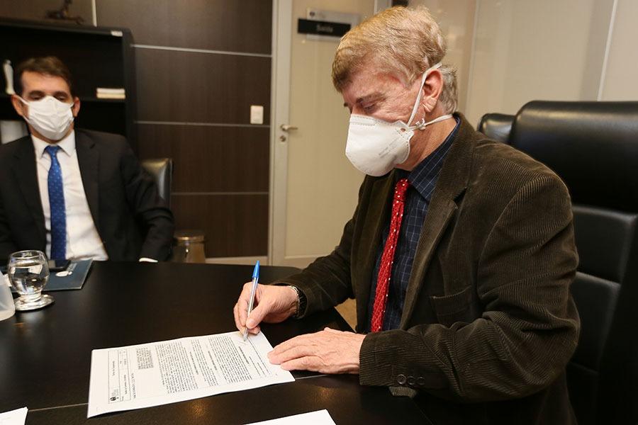 Klever Loureiro assinou convênio para instalar Cejusc na Faculdade de Maceió.