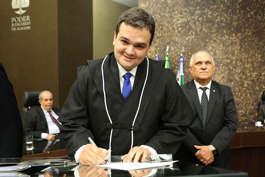 Juiz André Luís Parizio Maia Paiva.