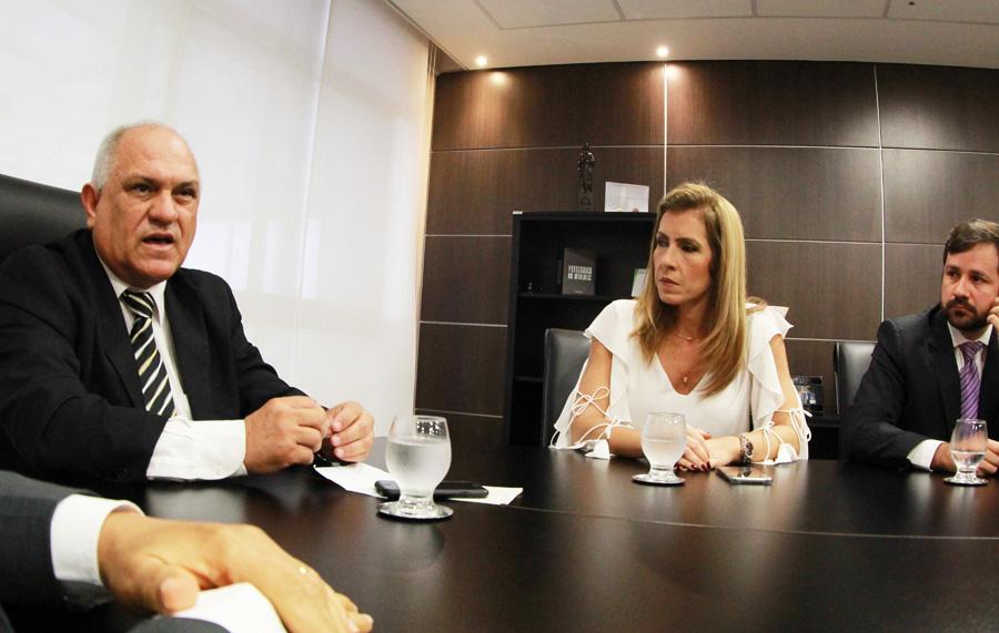 Presidente Otávio Praxedes com advogados Fernanda Marinela e Nivaldo Barbosa Jr. / Foto: Maikel Marques