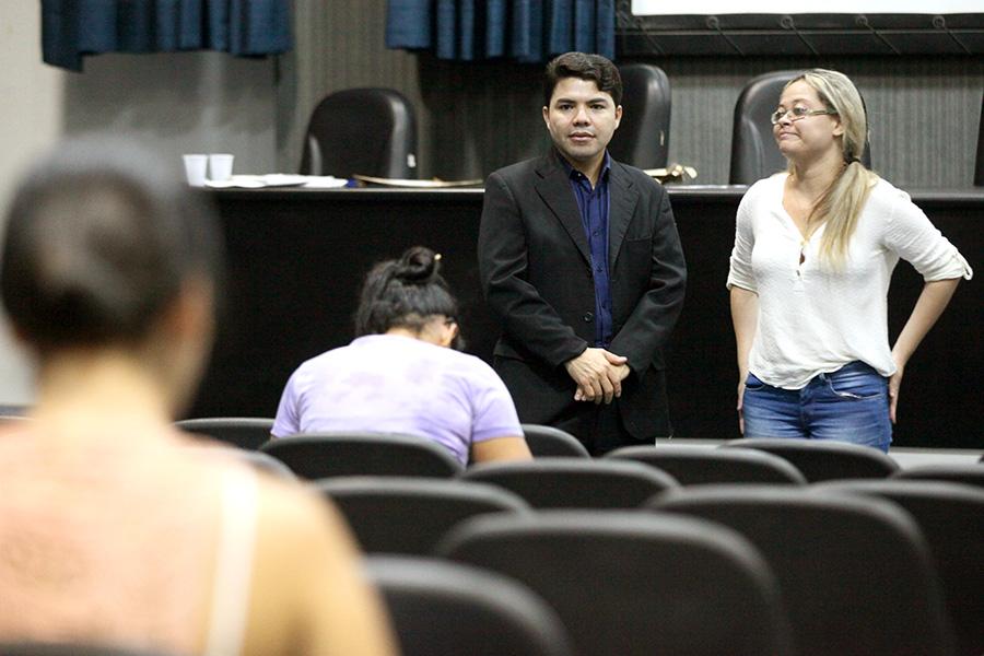 Juiz Hélio Pinheiro, coordenador de Porjetos Especiais da Esmal, acompanhou a aplicação do exame.