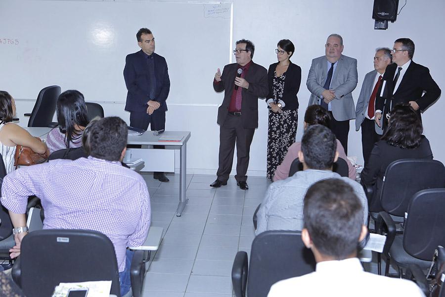Presidente Tutmés Airan acompanhou atividade promovida pela Esmal e pelo Nupemec.