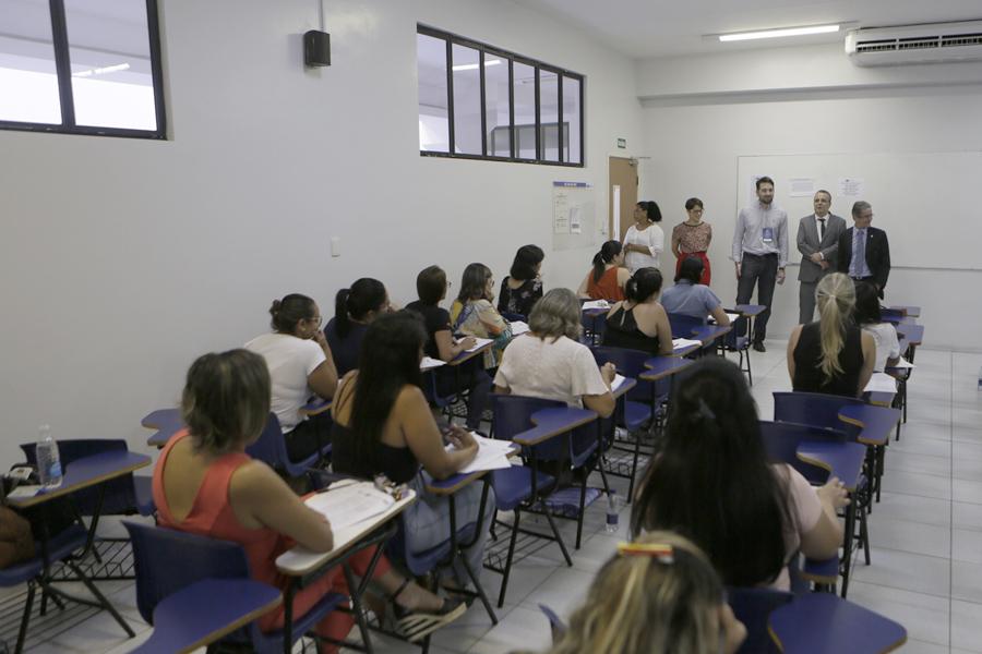 Desembargador Fábio Bittencourt e juiz José Miranda acompanharam a aplicação das provas na Unit.