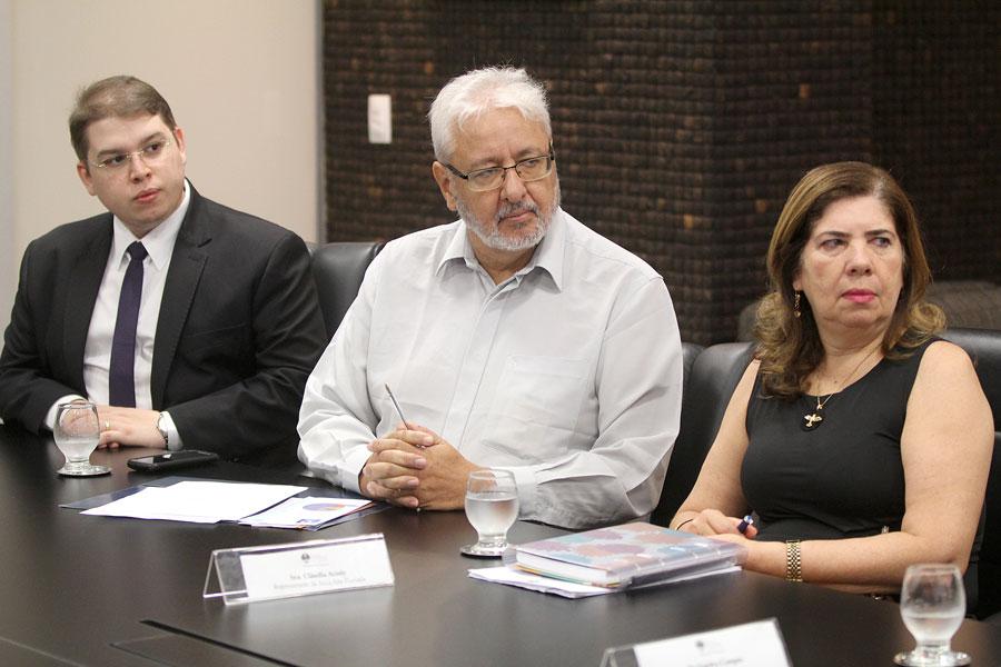 Nigel Stwart, Alexandre Caiado e Cláudia Lopes.