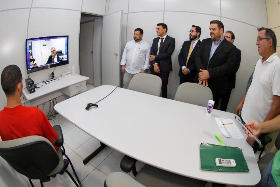 Magistrados acompanharam uma videoconferência no sistema prisional de Maceió. Foto: Itawi Albuquerque