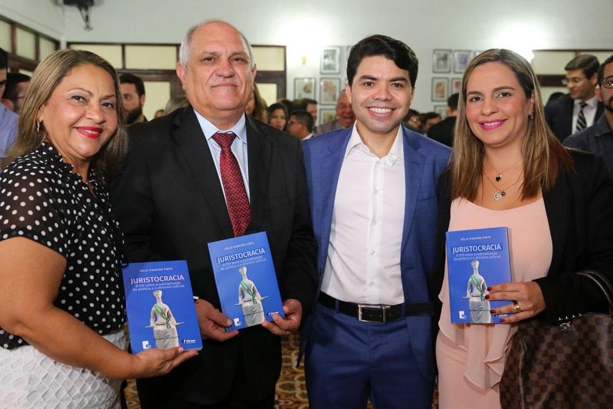 Edjane Praxedes, presidente Otávio Praxedes, juiz Hélio Pinheiro e Ednilda Lessa. Foto: Caio Loureiro