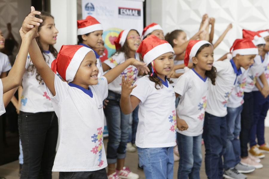 Crianças de duas escolas públicas da capital receberão presentes doados por magistrados e servidores do Judiciário.