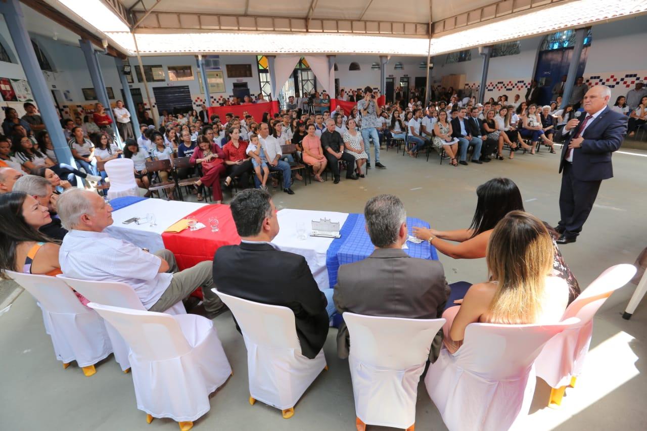 Otávio Praxedes conversou com os estudantes e falou sobre a importância dos estudos.