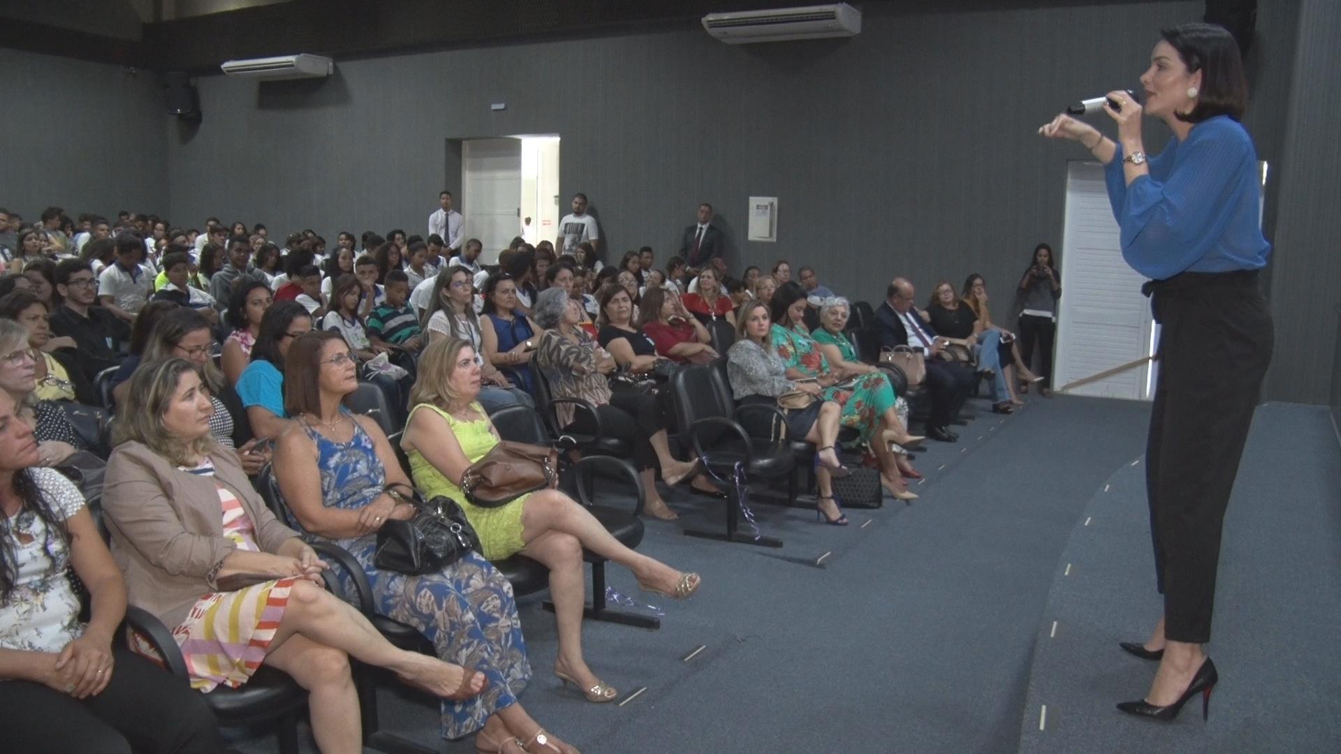 Esmal promove evento para estudantes sobre direitos das mulheres
